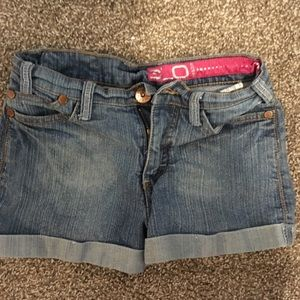 Lightwash Jean shorts!